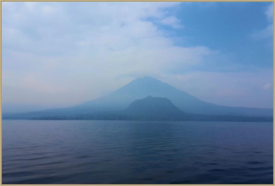 20170331_095713 volcan dans la brume.jpg
