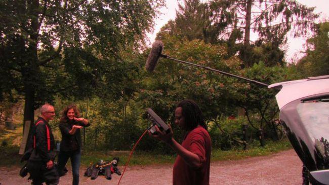 Le réalisateur devant Marc et Sara qui fait le