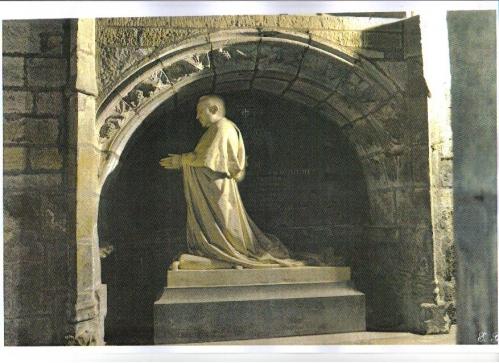 Mgr Bouché Pierre Ogé Cathédrale St-Brieuc.JPG