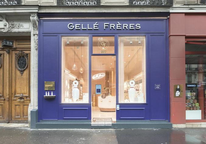 façade-en-bois-inspirée-des-vitrine-parisiennes-anciennes.jpg