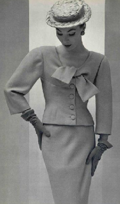 BALENCIAGA 1956 l'Officiel.png