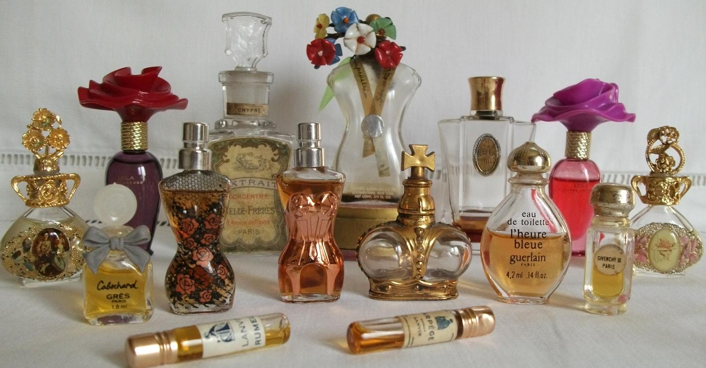 datation Avon bouteilles de parfum en ligne gratuit datant du sud de Galles
