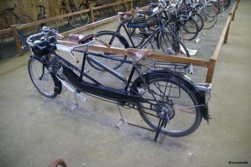 Tamdem cyclo Derny 1945