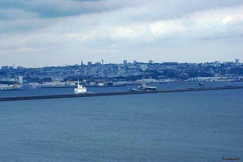 Ville de Brest vue de Roscanvel