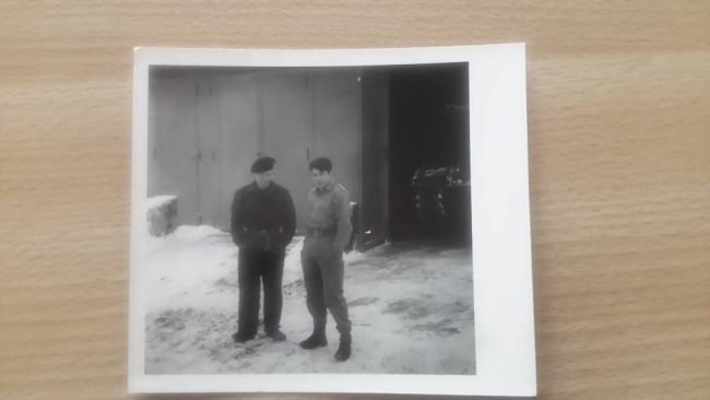 Moi à gauche et un milicien dont j'ai oublié le nom