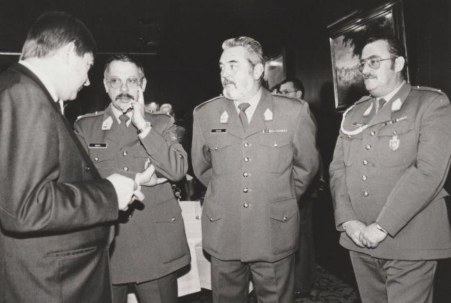 1993. Le RSM pose, au Ministre de la Défense Nationale, la question qui fait sourire...