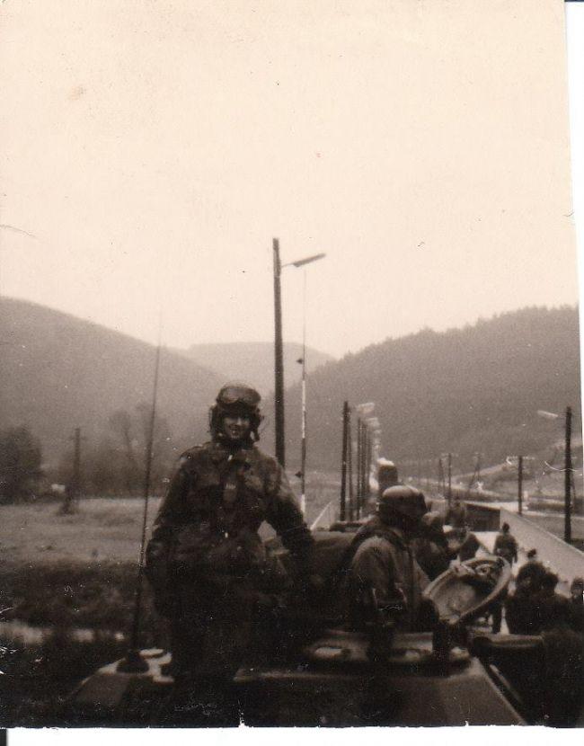 Déchargement à Vogelsang, vers l'année 1970 ou 1971.
