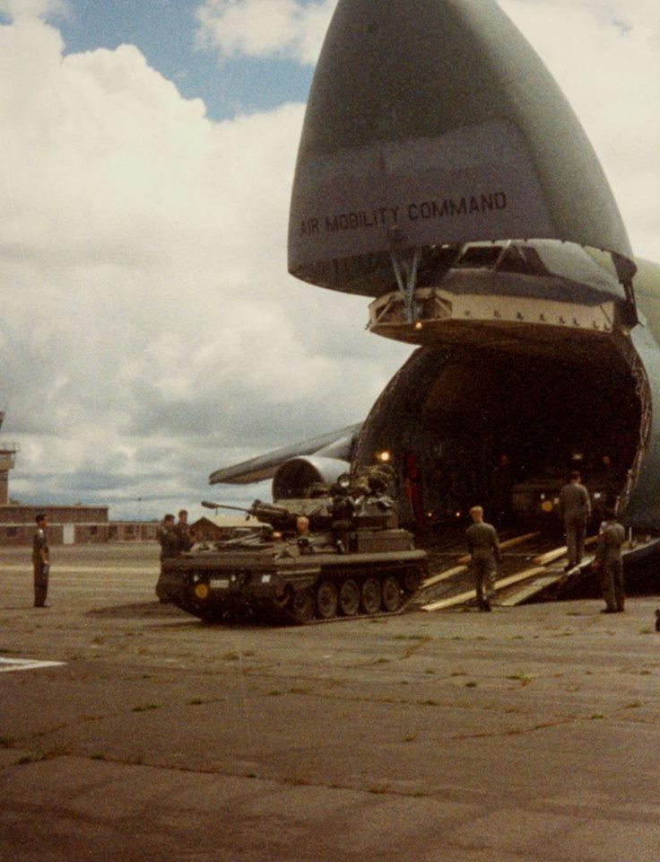 Arrivée et déchargement à la base arrière  à Nairobi.