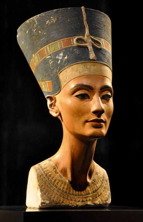 Nefertiti-630x976.jpg