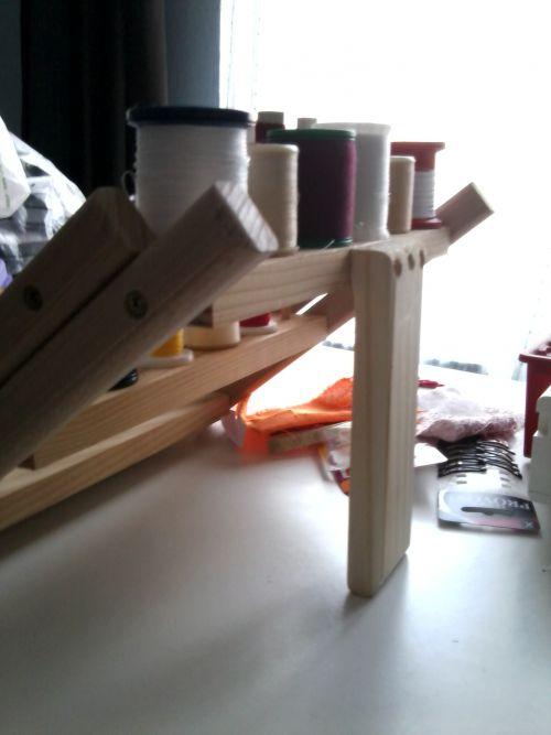range-bobines de fils pliable en bois