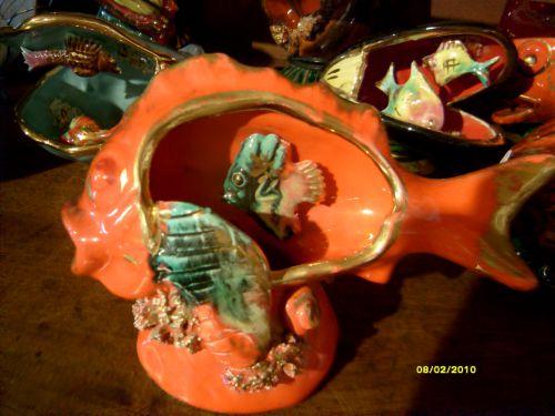 très beau poisson orange vu de devant - 22 €
