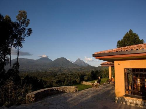 item19.rendition.slideshowWideHorizontal.sabyinyo-silverback-lodge-rwanda.jpg