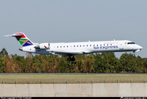 ZS-NBF-South-African-Express-Airways-Canadair-CRJ-700_PlanespottersNet_349235.jpg