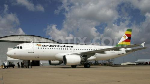 1369314110-air-zimbabwe-receives-a-new-airbus-a320_2078929.jpg