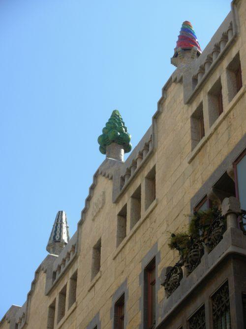 El Palau Güell - Les 1ères traces de fruits de Gaudi...