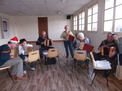 21 décembre 2013 - Atelier Diatonique à Piégut Pluviers