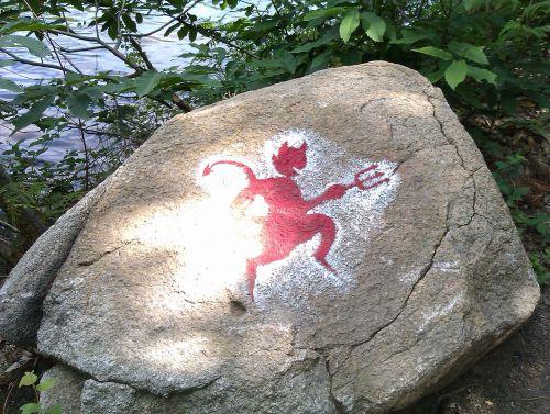 Le Diable nous guide autour du Grand Etang de Saint Estèphe (photo : Diatox)