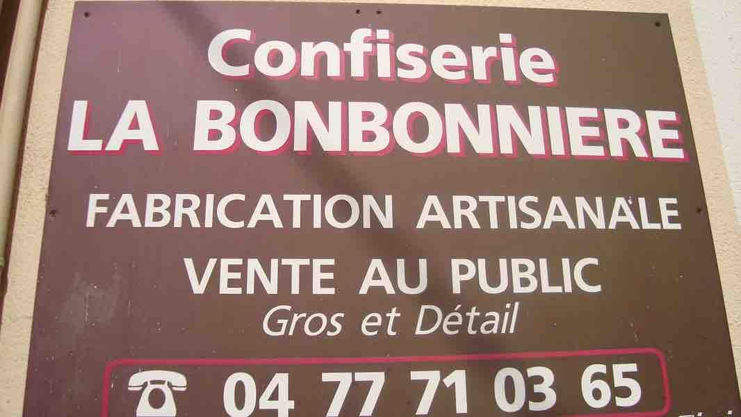 LA BONBONNIÈRE.jpg