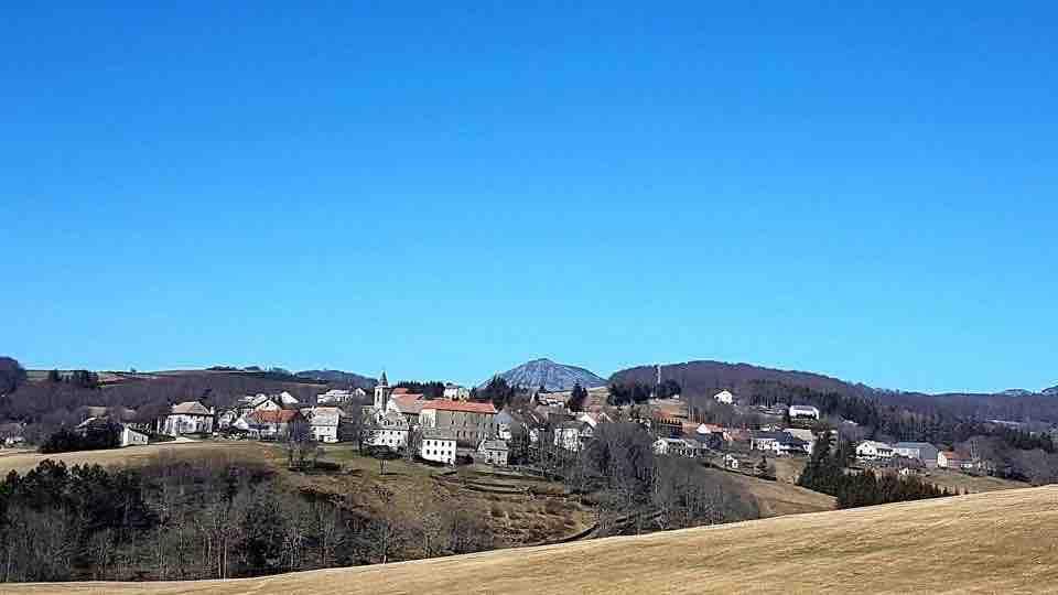 Ste EULALIE, 07 au pied du Mont GERBIER de JONC
