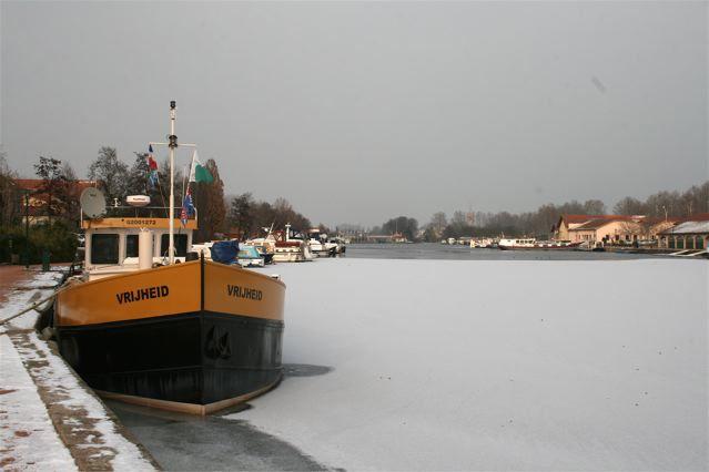 Le Port de Plaisance de ROANNE (42) grelotte !