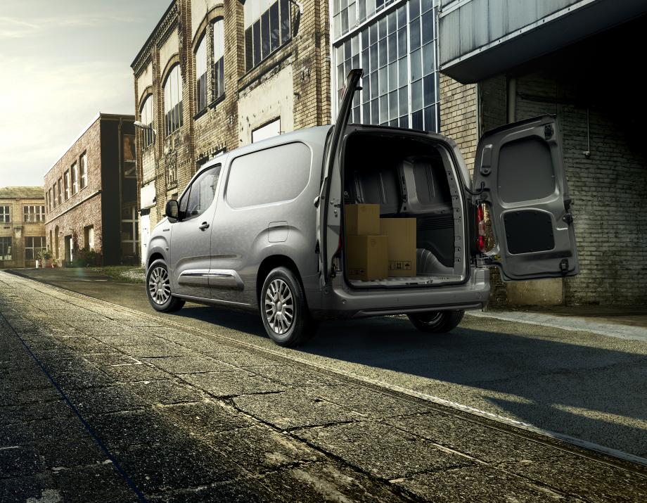20210504-proace-city-electric-rear-standard-high-2.jpg