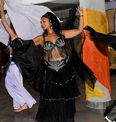 f92d77216adb3c Costume danse orientale Noir - Iman Danse Orientale Marseille Aix ...