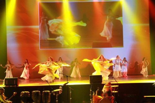 3Lunes_le_spectacle_QLC_marseille_dome_danse_orientale_conte_iman_fernandez.jpg