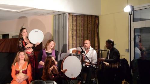 Spectacle_marseille_escales_en_orient_iman_fernandez_nathalie_diebold_naomi_hakimi_layali_zaman_musiciens_danseuses.png