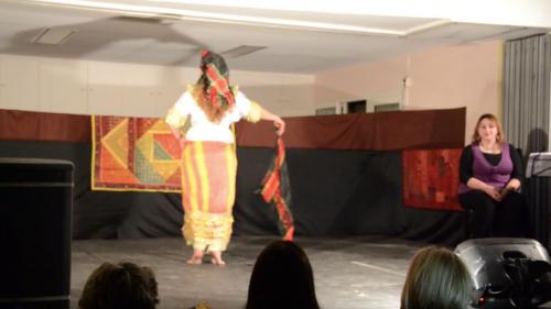 Spectacle_marseille_escales_en_orient_iman_fernandez_nathalie_diebold_naomi_hakimi_layali_zaman_musiciens_danseuses_3.png