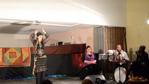 Spectacle_marseille_escales_en_orient_iman_fernandez_nathalie_diebold_naomi_hakimi_layali_zaman_musiciens_danseuses_4.png