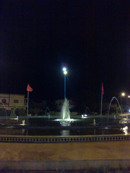 fontaine by night