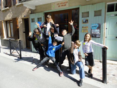 Pierre fête ses 10 ans aux Ateliers de Marie avec Adrian, Léo, Nicolas, Clémentine, Julien et Victor