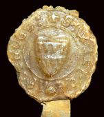Je suis le sceau aux 2 lambels de 4 pendants et j'ai 781 ans depuis avril dernier