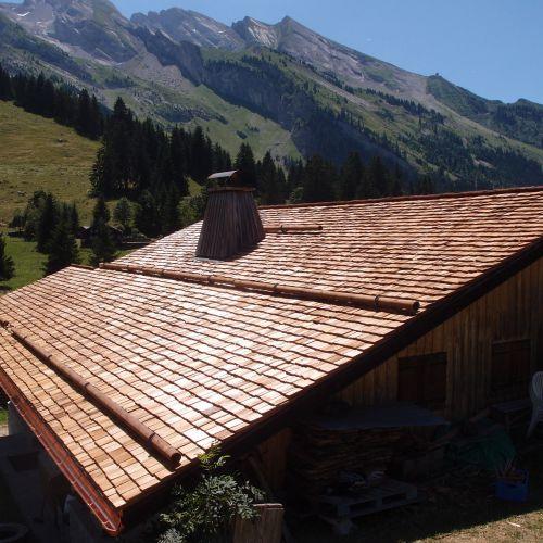 Un toit de tavaillons tout neuf
