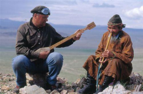 chant avec Narantsogt, Altaï 2003.