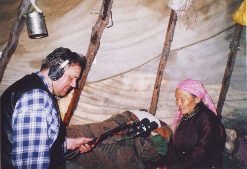 séance enregistrement de chants Tsaatan (Mongolie) 2004