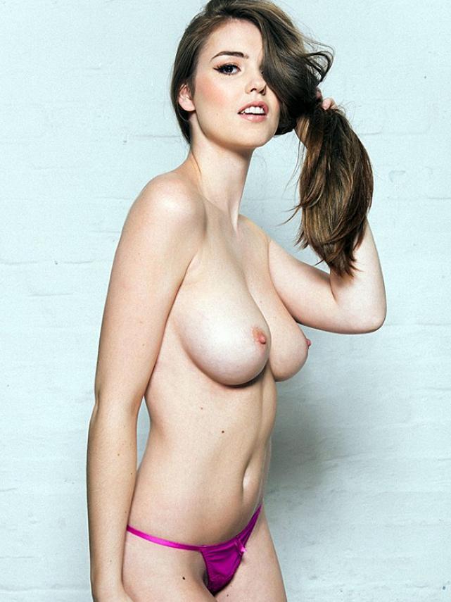 xrosie-danvers-topless-page3-1470142155630.jpg.pagespeed.ic.qPtw0FNHkG.jpg