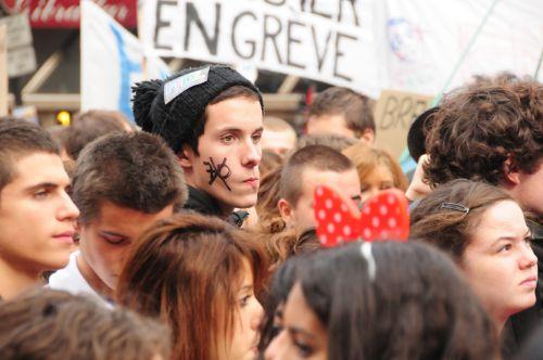 Associé à l'article : Résistance. (Pablo Mateo ; Ludovic Lesaux)