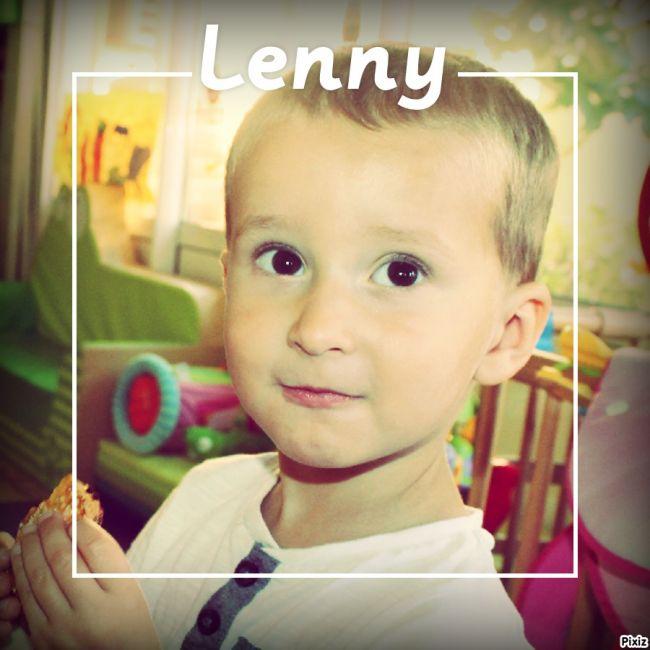 et voilà ! Lenny s'en va pour de nouvelles aventures : l'école maternelle en septembre ! tu es un grand garçon, je te souhaite tout le bonheur du monde avec ta petite soeur qui vient d'agrandir la famille. gros bisous !