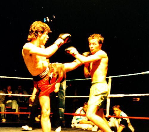 Combat international de kick-boxing : Montoya (Swaying Naja Camp) vs Will (Hollande/Breda)