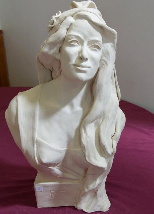 Marianne.JPG