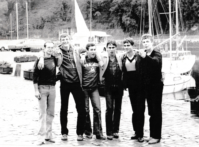 Six vils marins