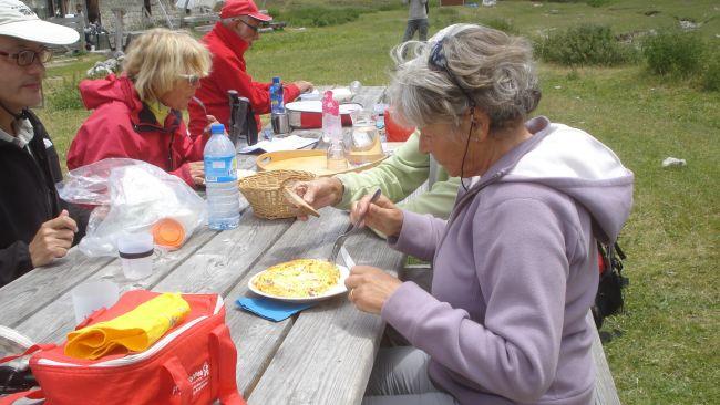 Omelette servie au refuge de Longon!