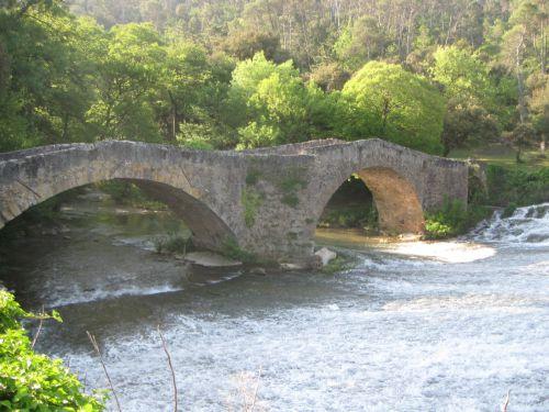 Pont médiéval de Vins-sur -Caramy