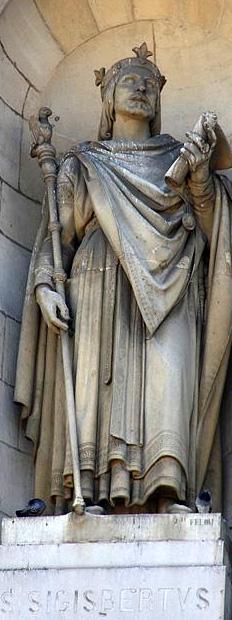 Sculpture_façade_Notre-Dame-de-L'Annonciation_de_Nancy.jpg