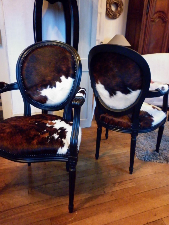 cabriolet louis xvi en peau de vache fauteuil et patine. Black Bedroom Furniture Sets. Home Design Ideas
