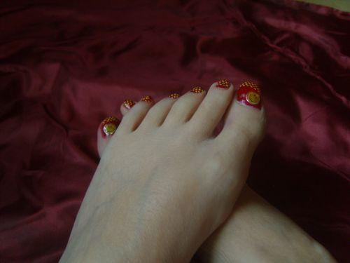Rouge et jaune à ptit pois (dédicasse à Satinou)
