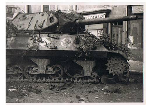 char rue d'anse 3 septembre 1944.jpg