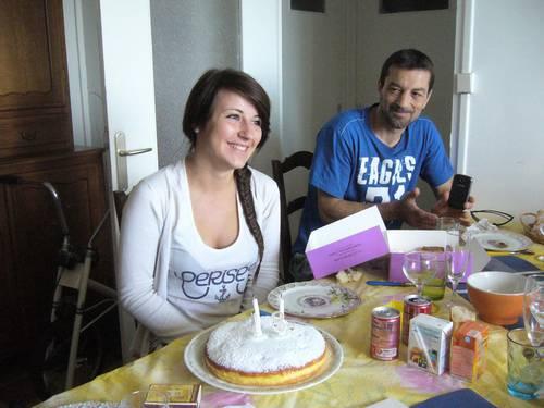 cynthia 18 ans et son père.JPG