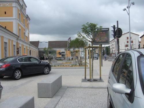 gare de villefranche après rénovation 2013.JPG